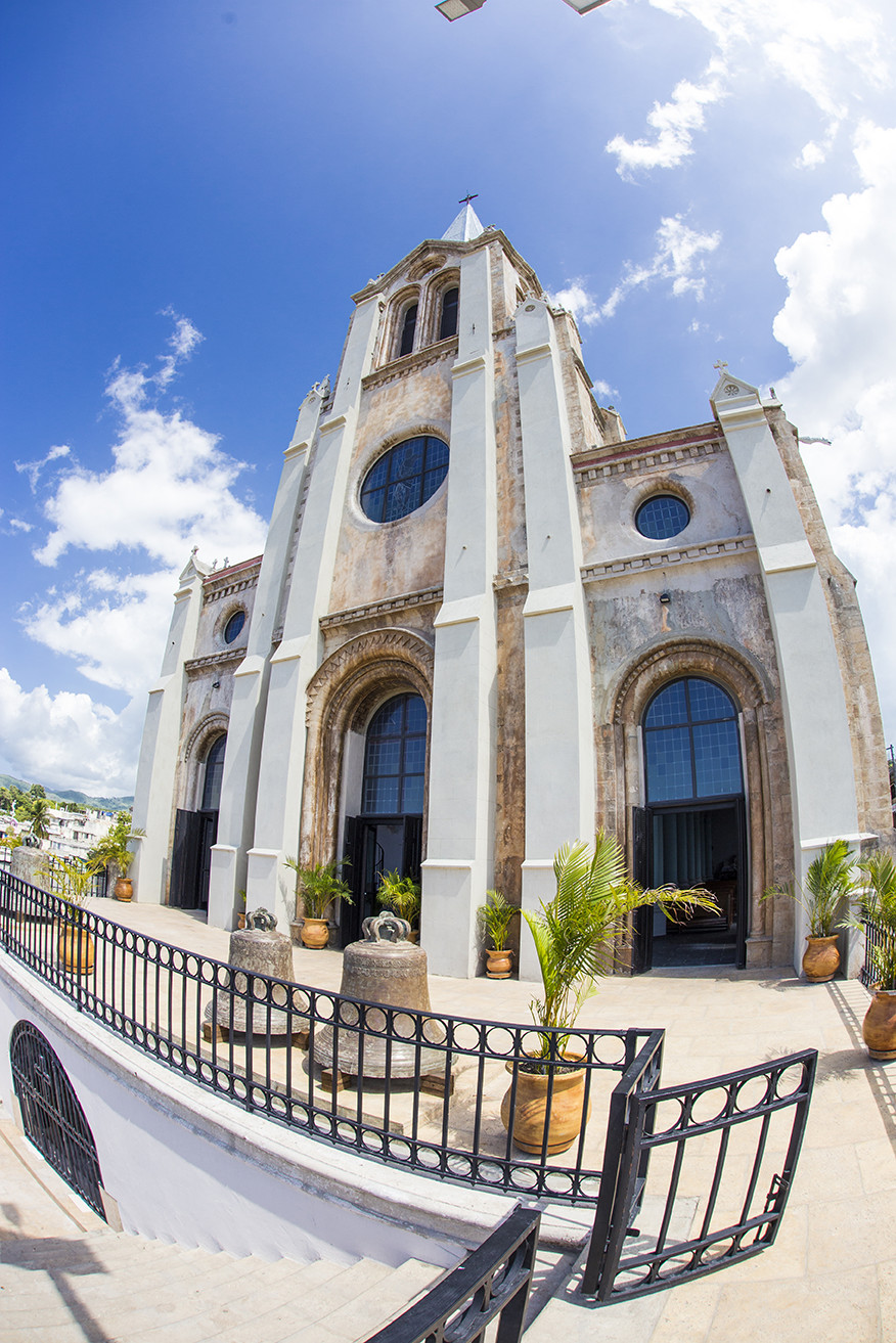 Miragoane Church front after renovation