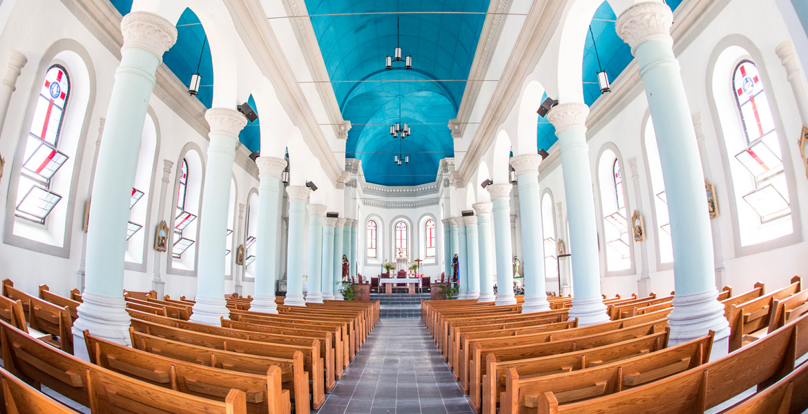 Miragoane Church interior after renovation